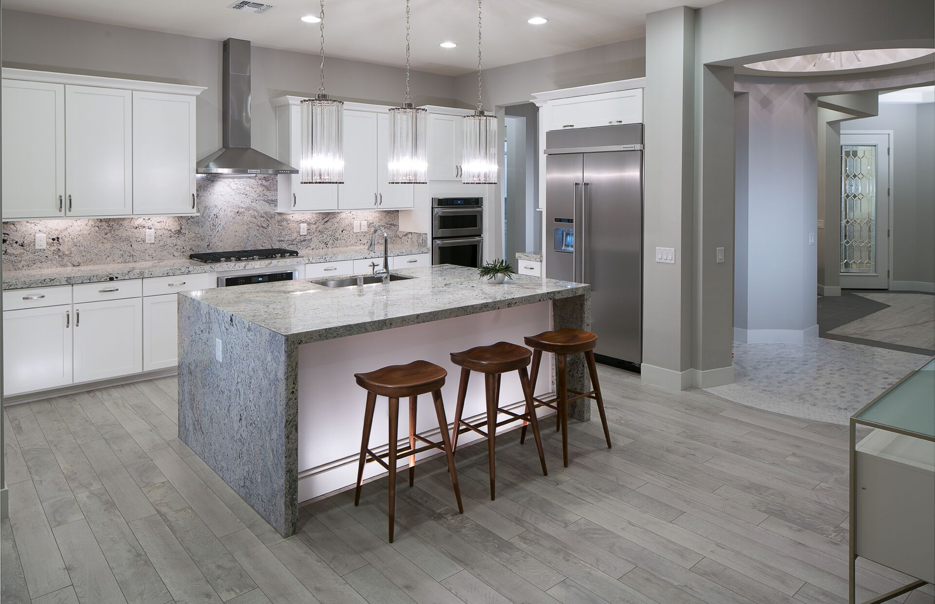 5 Kitchen Design Trends to Take From Model Homes   Lawson ...